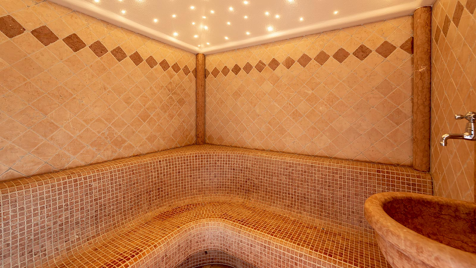 Detail of the Turkish bath at Residence Antares in Andalo